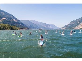 "Fiona Wylde claims ""Double Downwinder"" SUP Title 3x"
